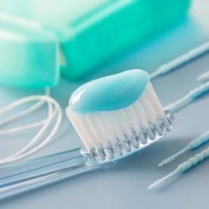 come scegliere spazzolino e dentifricio